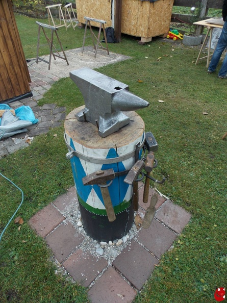attachment:Amboss_Foto_1.jpg
